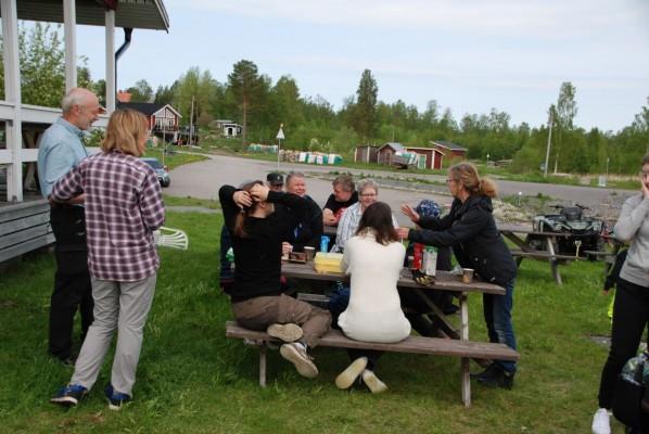 Fikapaus när Dansbanan och Vitträsket städas 6 juni 2019